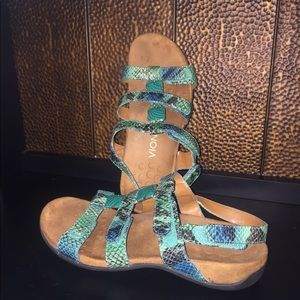 Vionic Orthaheel Amber adjustable Sandals Snake 7